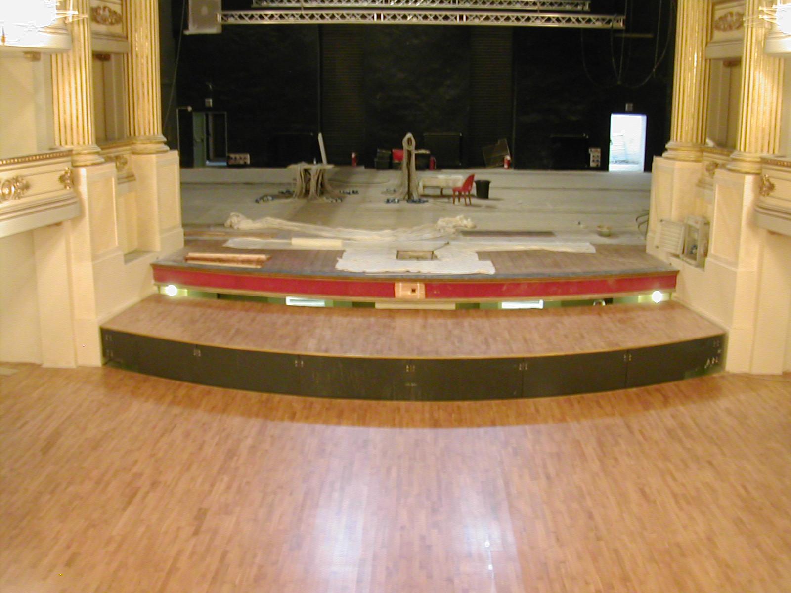 Piattaforme mobili golfo mistico. Opera realizzata presso il Teatro Chiabrera di Savona